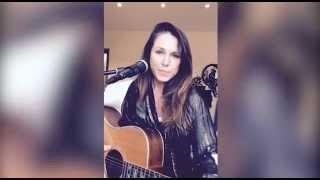 Sandi Thom - Earthquake (Live Acoustic Performance) - NEW SINGLE