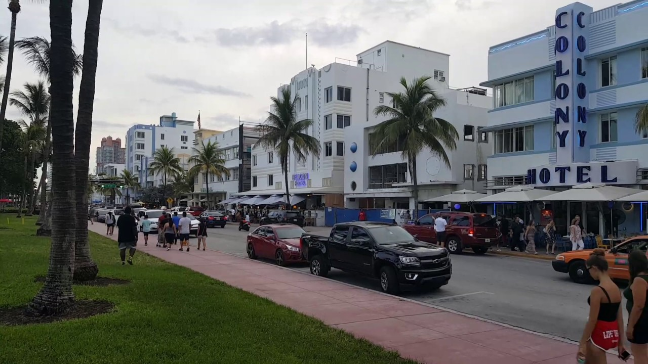 Scarface Deal Chainsaw Scene Location Ocean Drive South Beach In Miami