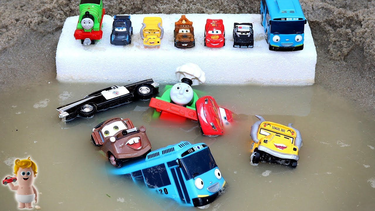 Learn Colors Sizes for Kids w/Disney cars Police vehicles & Tayo Thomas trains in water