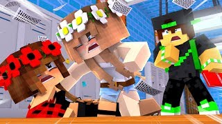 MY LITTLE SISTER GOT IN A FIGHT! Fame High EP1 (Minecraft Roleplay)