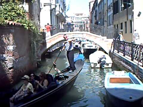 Venice  - Gondolier singing song