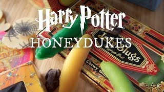 Emmy Eats Honeydukes - The Wizarding World of Harry Potter