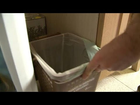 Italian families attempt to reduce the amount of food they waste