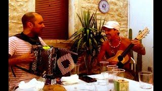 Manu Chao: Cantando a Janis en Les Garrigues!