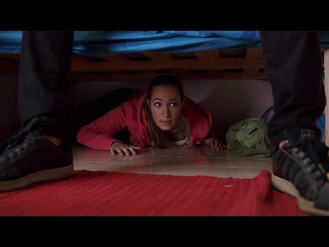 נעלמים: הרגעים הגדולים - אמה מנסה לחמוק מעידו - ניקלודיאון