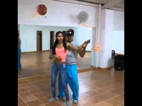Bachata sensual en son de timba dance studio - YouTube 945842d73ea