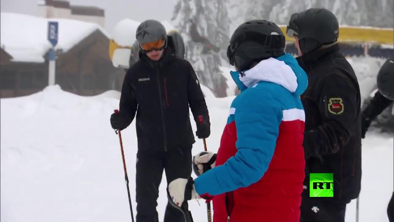 لقطات لنجل الرئيس البيلاروسي يتزلج في سوتشي مع والده وبوتين  - نشر قبل 4 ساعة