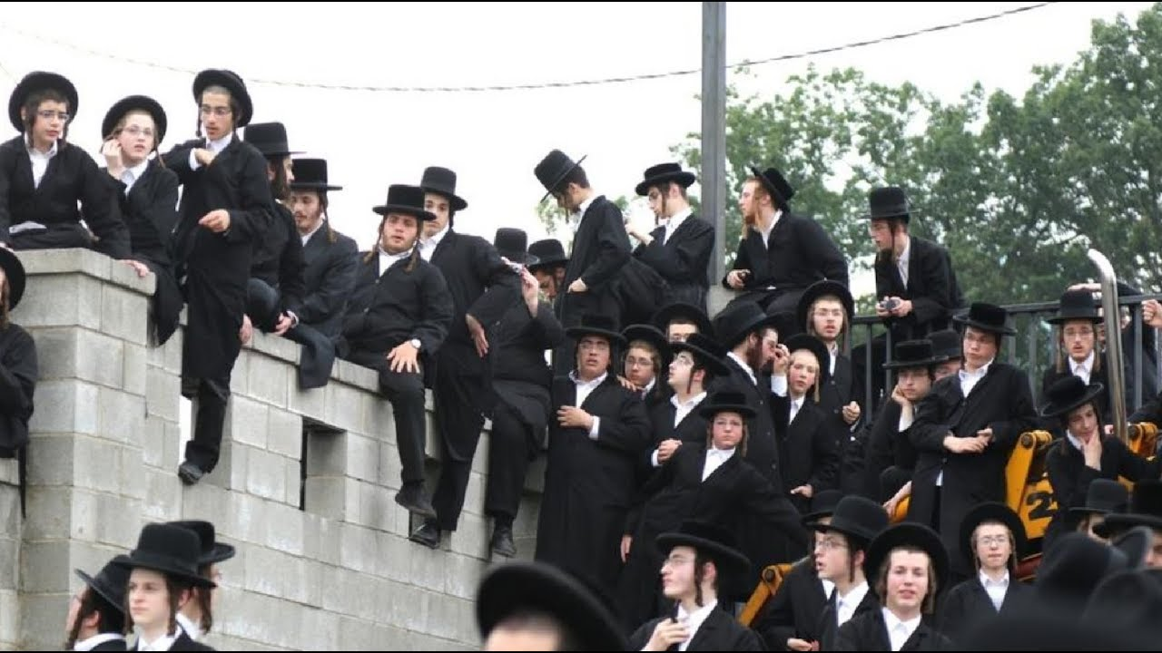 Thousands of Hasidic Jews in Kiryas Joel for Rabbi's Yertzheit