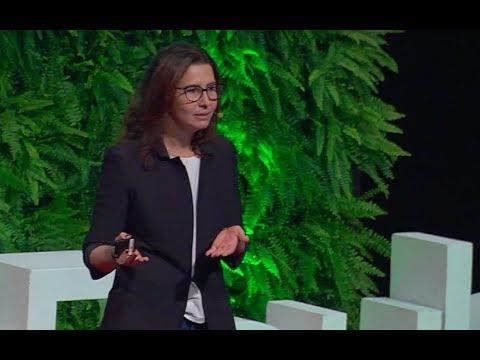 Como Os Médicos Vão Sobreviver à Revolução Digital?  | Andressa Gulin | TEDxSaoPauloSalon