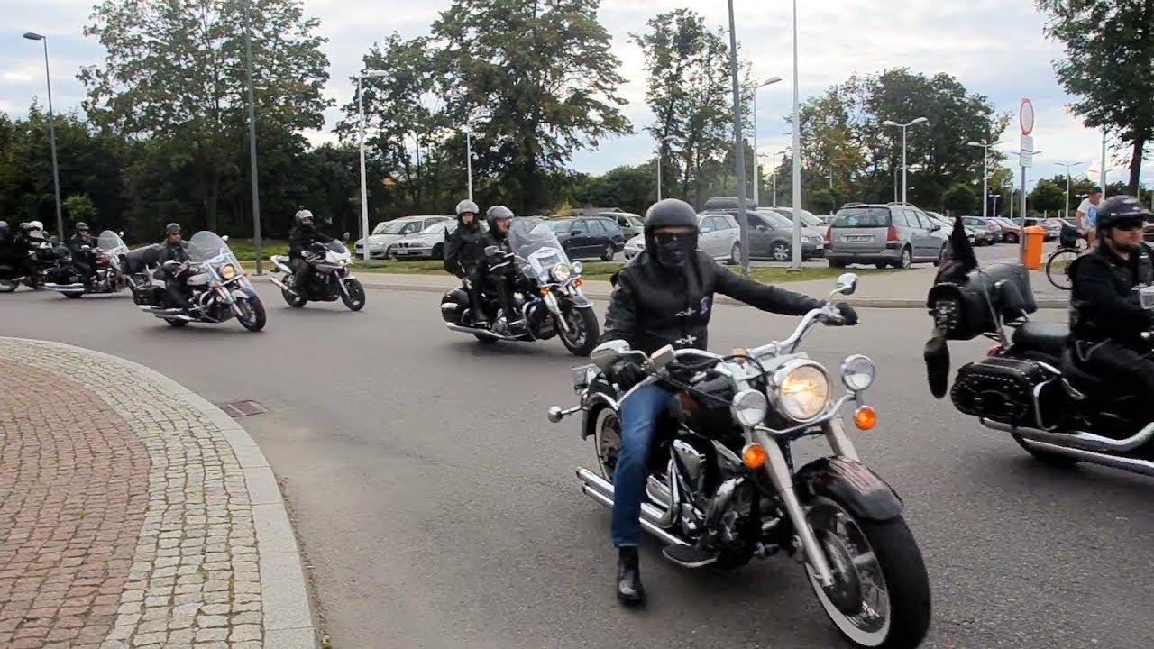 Parada motocykli na rozpoczęcie festiwalu in Memoriam