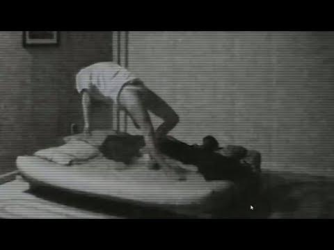 Er nimmt das Video auf während seine Freundin schläft - danach fällt er fast in Ohnmacht