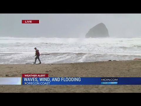 Large swells bring flooding to Oregon coast