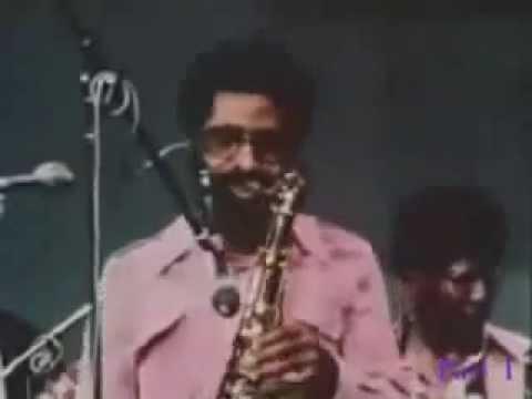 Sonny Rollins plays Alfie's Theme  1973