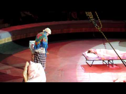 видео: Уральские пельмени мы в гостях у бабушки утро 2013 год в курске