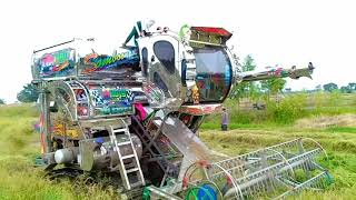 รถเกี่ยวตู้แอร์-รถเกี่ยวข้าว-สมบุญพัฒนา-combine-harvester