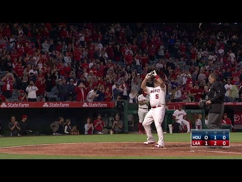Pujols opens scoring with his 595th home run
