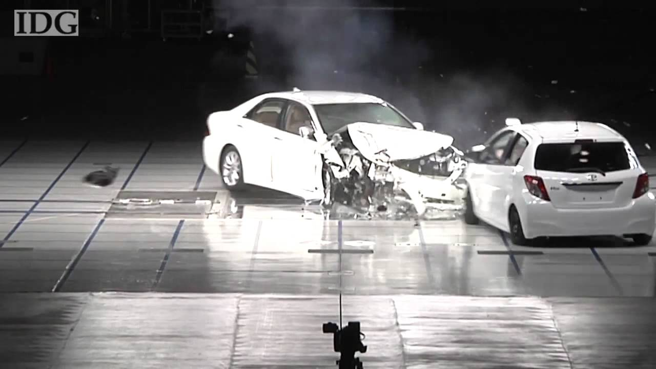 2012 Toyota Vitz Yaris Vs 2012 Toyota Crown Offset Frontal Impact
