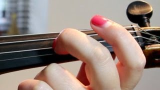 How To Do VIBRATO in the VIOLIN/VIOLA *Slow MOTION* (wrist vibrato)