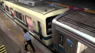 小田急線小田原駅での通勤車の併結作業(急行新宿ゆき) thumbnail