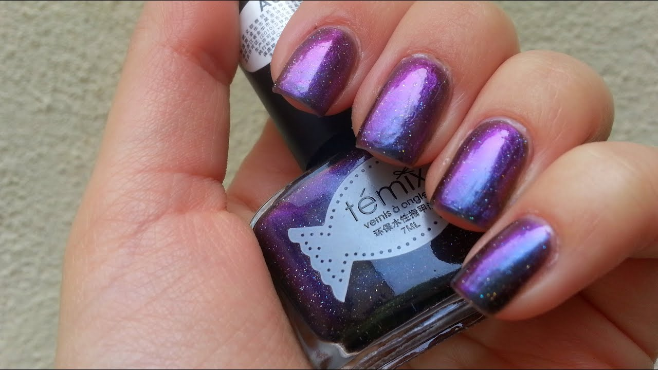 Review Galaxy Nail Polish by LadyQueen.com