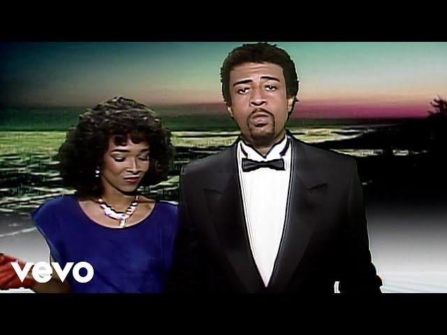 Dennis Edwards ft. Siedah Garrett - Don't Look Any Further (Official Video)