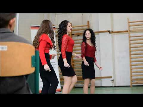Nemzetközi Roma Nap alkalmából szervezett táncos fesztivál a Füzes Utcai Általános Iskolában - 2018.