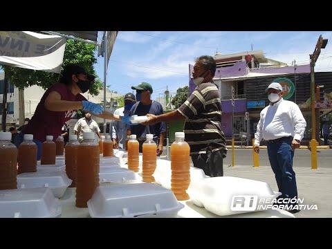Asegura iglesia del Carmen comida calientita para indigentes y desempleados