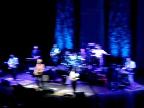 Daryl Hall John Oates Cleveland Ohio May 10 2014 Maneater Live Concert Public Hall