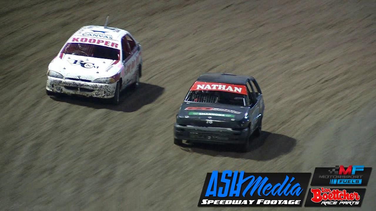 Junior Sedans Nathan Thorne And Kooper Greig Battle Murray