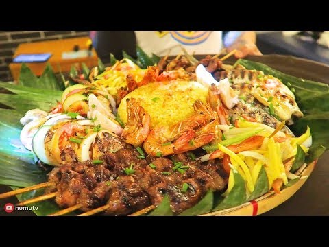 FILIPINO FOOD in Araneta Center | Manhattan Row FOOD CRAWL in the Philippines | KTV & 3 Cafes