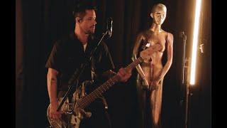Смотреть клип Papa Roach - Infest