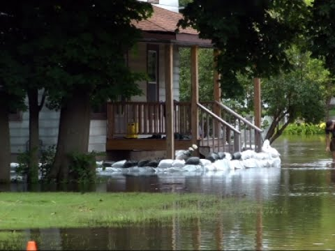 Illinois Residents Prepare For Further Flooding