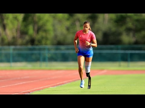 Paralympic Athlete April Holmes - YouTube