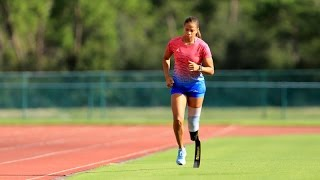 paralympic athlete april holmes