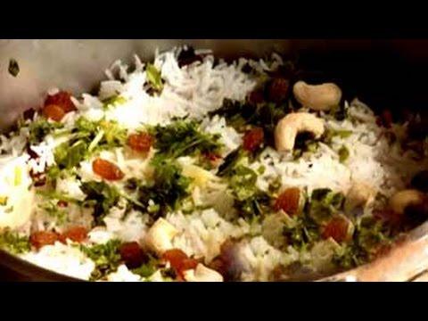 Watch recipe: Jodhpuri Kabuli