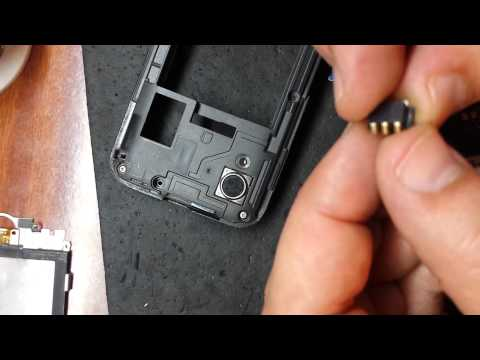 Сломался усик для батарейки в телефоне