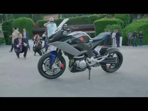 ab1a0408af2 BMW Motorrad Concept 9cento at 2018 Concorso d'Eleganza Villa d'Este ...