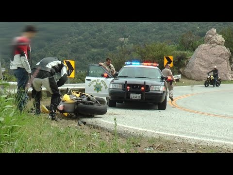 Rider Crash in Front of Cop (No Injury)