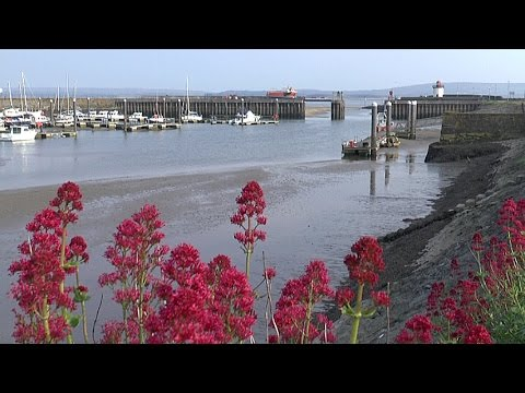 A brief look around Burry Port Harbour and East Beach on a Sunny Day 28/05/2016
