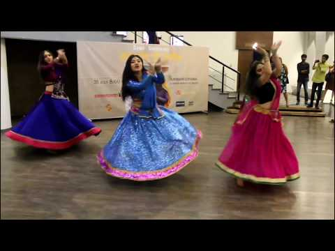 Saajan Saajan / Dil Ka Rishta / Dance group Lakshmi /  Photo exhibition - People of India