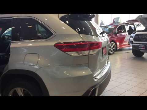 2017 Highlander Limited AWD - Milton Toyota