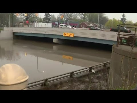 Metro Detroit continues to deal with sever flooding