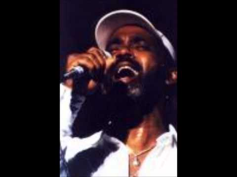 Frankie Beverly with Robbie Vincent. Interview on Radio London 1982 Part 2/7
