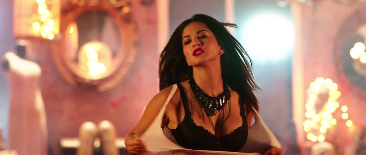 Sunny Leone Hot And Intimating Scenes Form Mastizade Hd