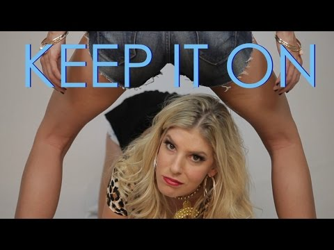 Shake It Off Parody- Taylor Swift (KEEP IT ON) + Lyrics