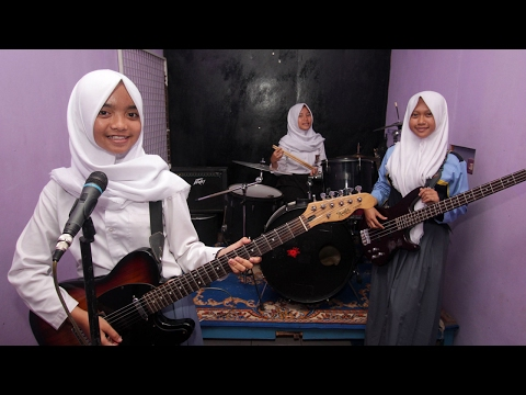 Indonesian Girls Create Unique Metal Band