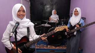 Download Video Indonesian Girls Create Unique Metal Band MP3 3GP MP4