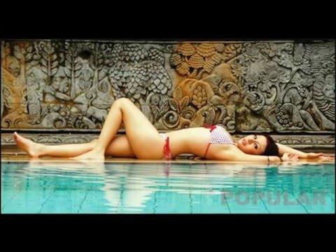 Hot Babe Febby Caroline Indonesia Supermodel thumbnail