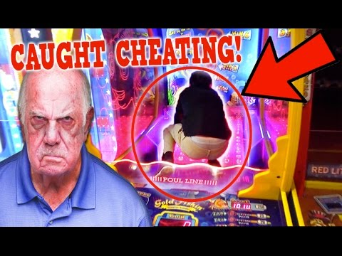 Cheating At The Arcade Almost Kicked Out !!! ( NOT CLICKBAIT)