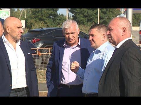 Губернатор Андрей Бочаров проинспектировал ход дорожного ремонта на Второй Продольной магистрали